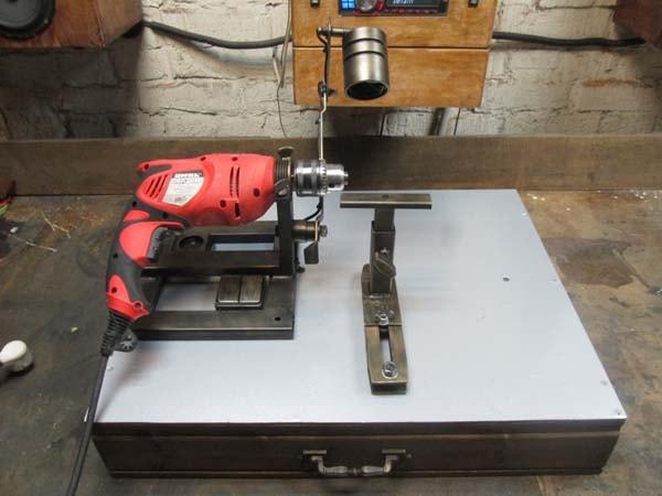 токарный станок сделанный из дрели