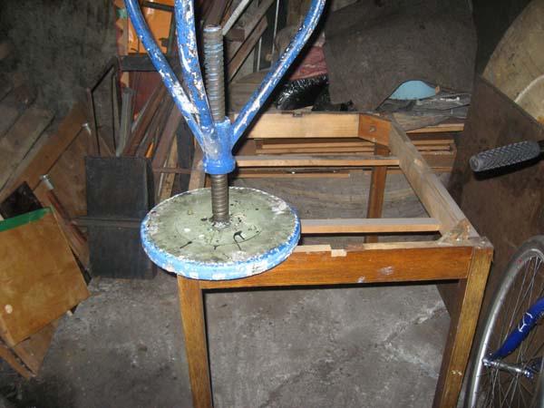 Пример изготовления зонта на трубу своими руками