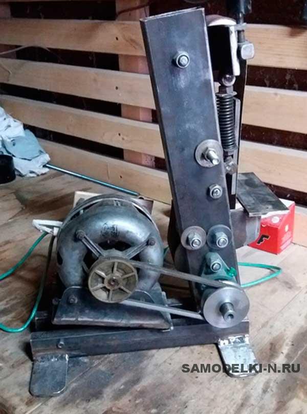 Ленточный шлифовальный станок из двигателя стиральной машины